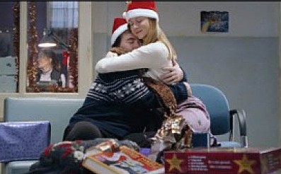 sarah and her brother laura linney love actually santa hats